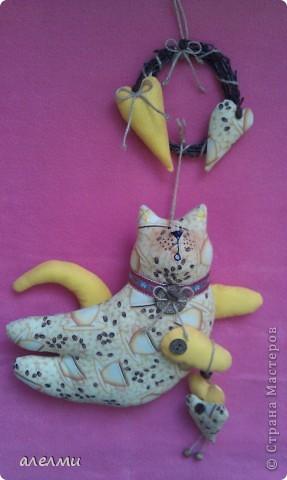 Вот такой кофейный, летящий котик у меня родился за выходные!  Ситцевый, украшен кофейными зёрнами и деревянными пуговицами!  Очень надеюсь он Вам понравится!  фото 6