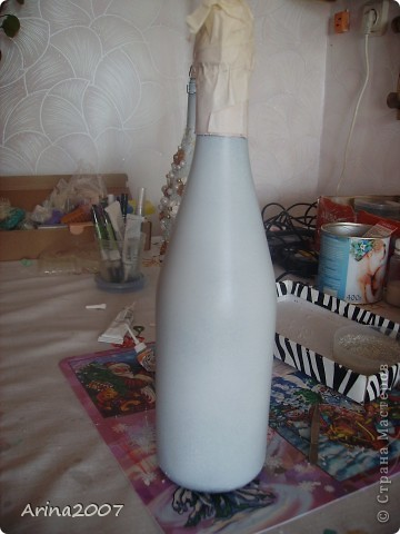 Здравствуйте, всем! Наконец прошло 8 марта и у меня появилось немного свободного времени. За последние 2 недели я сделала 12 бутылок! Изготовление одной запечатлела на фотоаппарат. Выкладываю МК по просьбам))) Некоторым покажется, что процесс и так понятен и без моего МК. Но начинающим я надеюсь поможет))) фото 2