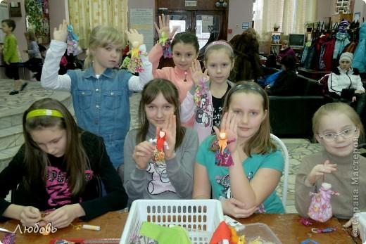 """Этих куколок Веснянок сделали Анна ( мама) и Олеся (дочка) на моём мастер-классе, который прошёл в клубе """"Интеграл"""" в фойе за большим столом для всех желающих.  фото 11"""