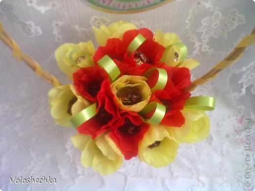Привет всем моим гостям)  Перед вами еще одна моя работа - весенняя корзинка со сладкими тюльпанами, которую сделала в подарок.  фото 4