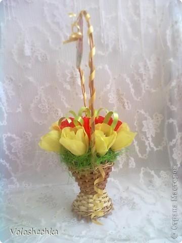 Привет всем моим гостям)  Перед вами еще одна моя работа - весенняя корзинка со сладкими тюльпанами, которую сделала в подарок.  фото 3