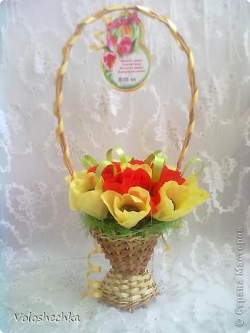 Привет всем моим гостям)  Перед вами еще одна моя работа - весенняя корзинка со сладкими тюльпанами, которую сделала в подарок.  фото 2