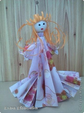 Снежа, использовав свои умения в оригами, решила для сестры смастерить такую вот принцессу. Мы все были в восторге. Думаю, что сестричке тоже понравилось. фото 1
