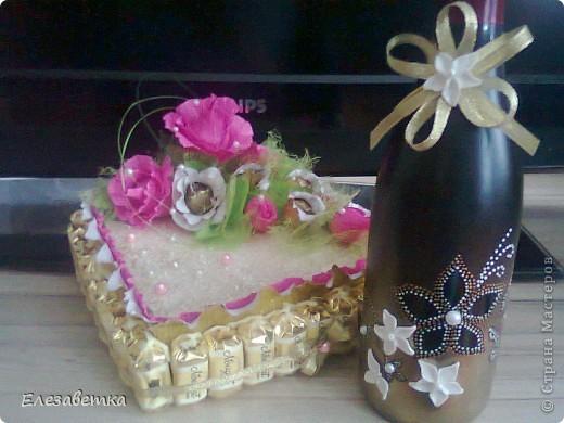 Здравствуйте мастерицы!!!!!!!! Хочется показать Вам повторюшки. Теперь  дарить просто коробку конфет и простую бутылку, как то банально.  Вот такие подарочки у меня получились... Этот очень хорошим знакомым... фото 1