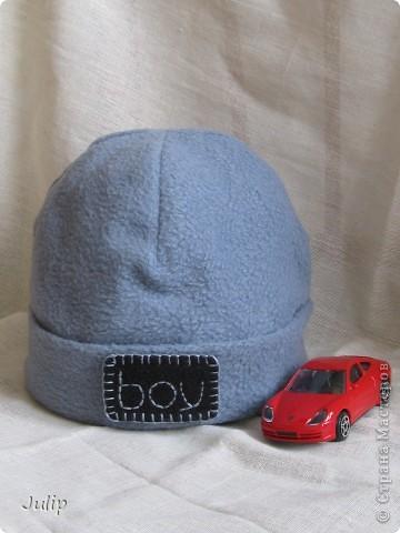 Изначально шапка шилась сыну для утренника на Новый год, но с расчетом дальнейшей переделки - для будней. Аппликацию пришлось делать самой (в магазинах не нашла ни чего подходящего).    фото 1
