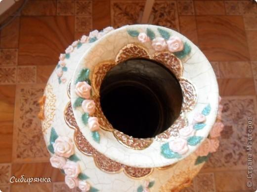 """Приветствую всех жителей """"Страны мастеров""""!  Хочу показать вам вазу из папье-маше.Это первое моё творение и сделана она, для украшения моего интерьера. Высота вазы 60см, в диаметре 25см. Очень хотелось приблизить к фарфору, но навыка нет. Натуральный цвет, сфотографировать мне не удалось. фото 23"""