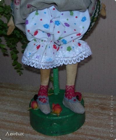 Еще одна тыквоголовка. Как  только оделась - накрасилась, сразу и имя появилось и профессия. Зовут Марта, она садовница. Вся в природе., вся в цветочках. фото 2