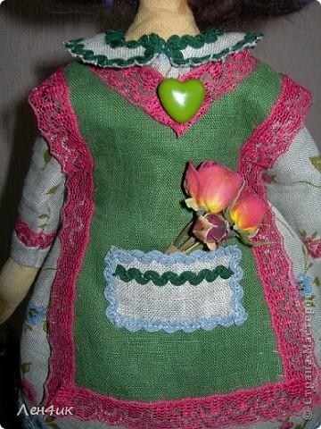 Еще одна тыквоголовка. Как  только оделась - накрасилась, сразу и имя появилось и профессия. Зовут Марта, она садовница. Вся в природе., вся в цветочках. фото 3