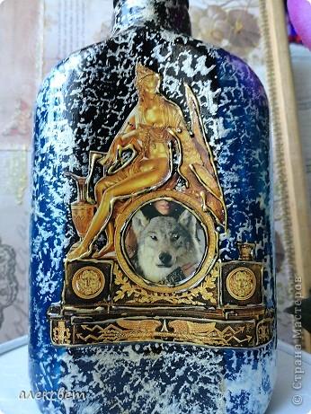 Предлагаю на Ваш суд ... 1 бутылочка. Использовала Акриловые краски(аэрозоль). контуры, золотой объёмный контур, картинка из журнала, лак.  Набрызг. фото 12