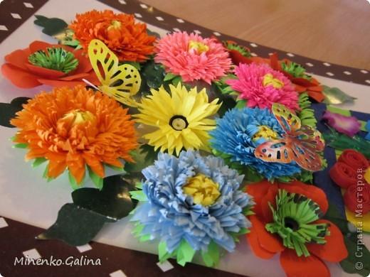 """Накануне 8 марта в нашем 2 классе прошёл праздник """"Супербабусі 2012 """". К празднику,кроме поздравлений нужно было приготовить подарки. фото 20"""