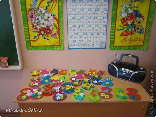 """Накануне 8 марта в нашем 2 классе прошёл праздник """"Супербабусі 2012 """". К празднику,кроме поздравлений нужно было приготовить подарки. фото 9"""