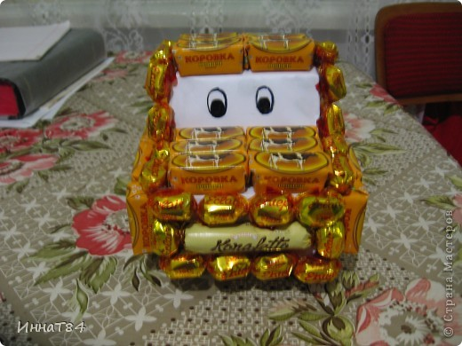 Машинка из конфет на подарок ) фото 2