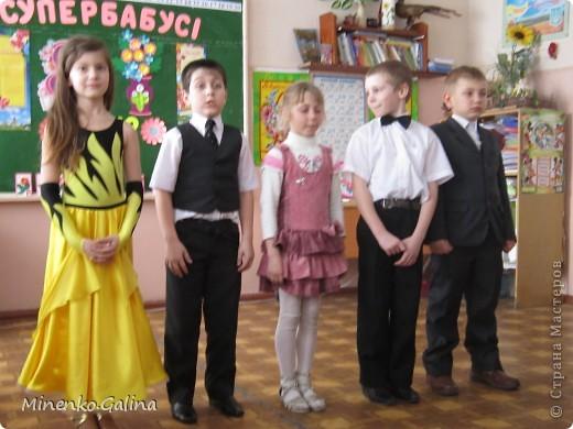 """Накануне 8 марта в нашем 2 классе прошёл праздник """"Супербабусі 2012 """". К празднику,кроме поздравлений нужно было приготовить подарки. фото 24"""