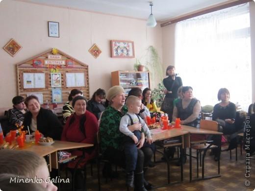 """Накануне 8 марта в нашем 2 классе прошёл праздник """"Супербабусі 2012 """". К празднику,кроме поздравлений нужно было приготовить подарки. фото 26"""