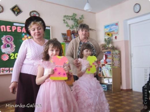 """Накануне 8 марта в нашем 2 классе прошёл праздник """"Супербабусі 2012 """". К празднику,кроме поздравлений нужно было приготовить подарки. фото 35"""