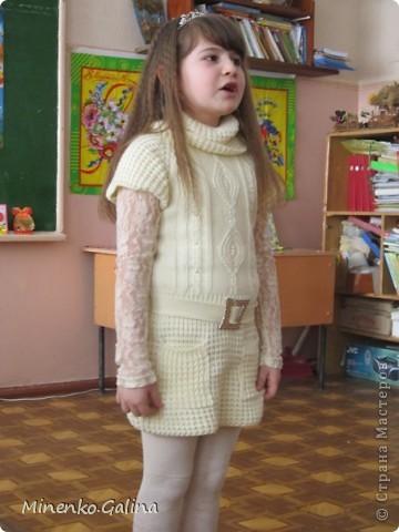 """Накануне 8 марта в нашем 2 классе прошёл праздник """"Супербабусі 2012 """". К празднику,кроме поздравлений нужно было приготовить подарки. фото 36"""
