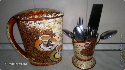 Комплект для кухни: фильтр и подставка для стол. приборов. фото 1