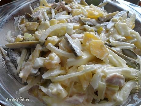 """Два блюда из китайской кухни можно приготовить за час.  """"Кальмар в сухарях"""" . Вкуснотища. Понадобится: тушки кальмара(нарезаем по 8-10 миллиметров, чтоб получились колечки), мука, яйца, сухари корейские, масло растительное, хорошее настроение. фото 19"""