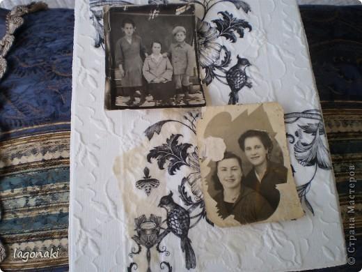 Искала искала и нашла .Коробка для старых фото.Решила сделать крышку,наклеела старой тюли кусочки.Немного бежевых старых кружав от кой-чего.И сверху салфетку.Кто когда-то в обмене прислал.Пригодилась. фото 3