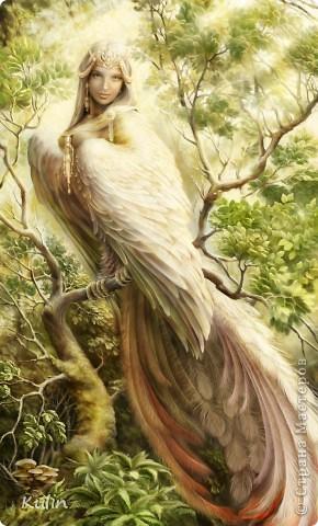 Гамаюн, птица вещая   На гладях бесконечных вод,  Закатом в пурпур облечённых,  Она вещает и поёт,  Не в силах крыл поднять смятенных…  Вещает иго злых татар,  Вещает казней ряд кровавых,  И трус, и голод, и пожар,  Злодеев силу, гибель правых…  Предвечным ужасом объят,  Прекрасный лик горит любовью,  Но вещей правдою звучат  Уста, запёкшиеся кровью!.. (А.Блок)  фото со вспышкой.... фото 5