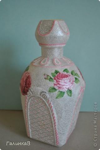Эту бутылочку я привезла из Коломны - отсюда название. Декупаж, точечная роспись.