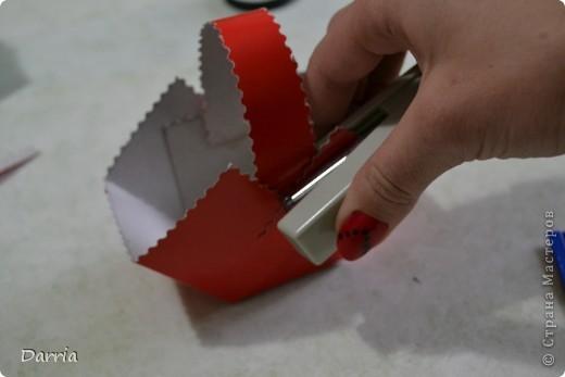 Всем доброго дня!!! Хочу предложить вам сделать корзинки из картона к пасхе. В них можно положить конфетки, яйцо и вообще все что вам захочется! фото 15