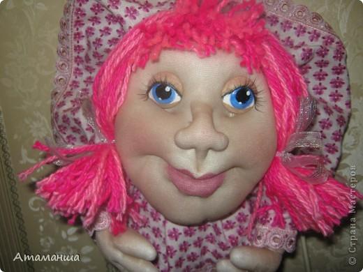 В честь Всемирного праздника кукольников сегодня появились две новеньких... Они разные, но все таки сестренки и шились одновременно. И поедут жить в стольный град Москву, в Солнцево, к двум очень хорошим женщинам, маме и дочке. Поэтому надеюсь, что сестренки смогут ещё встретиться фото 3