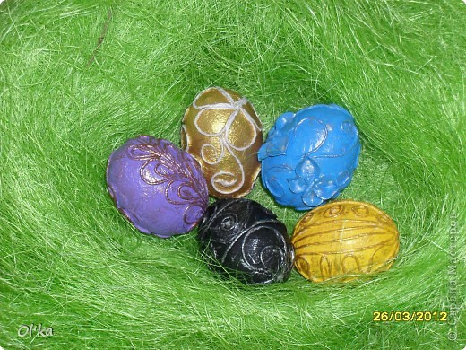 """Девочки, здравствуйте! Пейп-арт Татьяны Сорокиной крепко держит меня в своих сетях. ☺ На этот раз я """"прошлась"""" по яйцам.   Как говорится: снесла Курочка яичко....."""