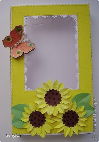 1.Комплект коробочка и открытка. Коробочка с прозрачным окошком. Фон салфетка наклеена на картон. МК https://stranamasterov.ru/node/41463 Объемная бабочка также из салфетки. фото 5