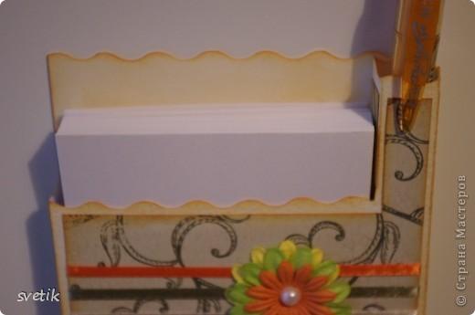 И снова я к вам с дебютом..Теперь пробую себя в скрапбукинге... Это магнит на холодильник с блоком для записей и ручкой   ( подбирала под цвет))) фото 5