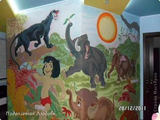 роспись стены в детской внучат фото 2