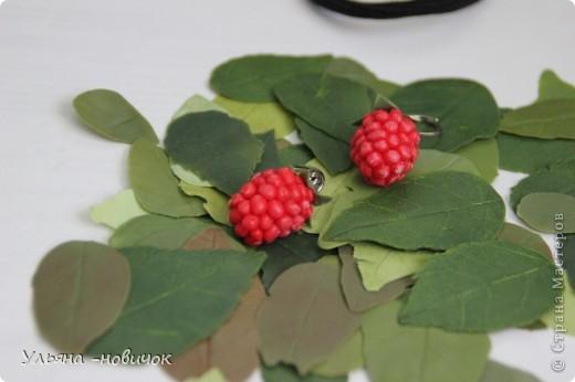 сережки-малинки из холодного фарфора))) на моей самодельной листве)))) фото 2