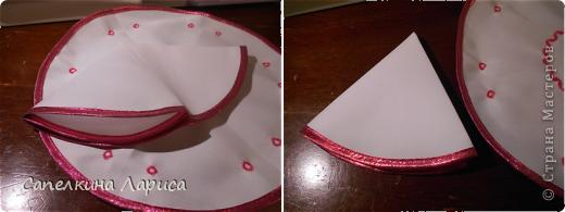 Всем доброго времени суток. Я снова с пасхальными атрибутами. Сегодня представляю небольшой МК по изготовлению салфетки для кулича и яиц. Для салфеток я использовала (шила сразу две): 1. ткань «бостон», она плотноватая (типа плащевки) и держит форму; 2. косая бейка 2,5 м – розовой, 3 м голубой; 3. нитки голубые, розовые, белые; 4. тонкие атласные ленты.  фото 10