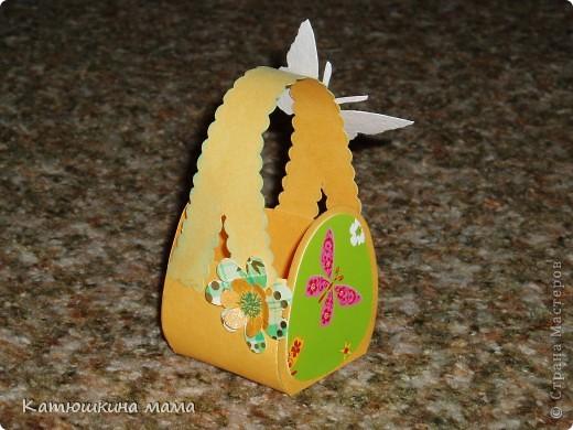 Здравствуйте! Решила показать мои пасхальные корзиночки под яйца. Мастер-класс увидела где-то на просторах интернета уже давно, так что если вдруг в СМ подобные корзинки уже есть, прошу прощение за повторение. фото 10