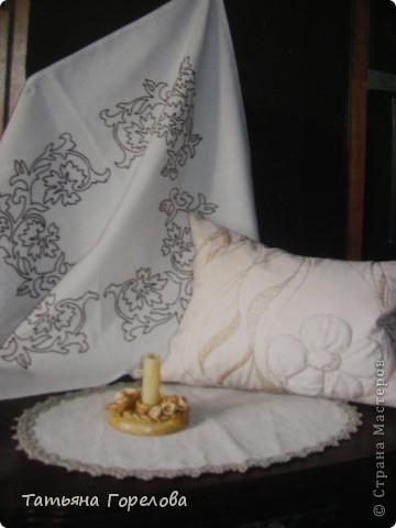 Подушка диванная на халофайбере. Лен, ручная вышивка толстыми шелковыми нитками. Цветок объемный за счет набивки. фото 10