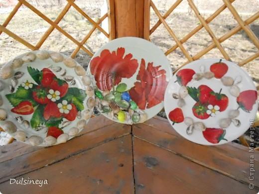 Декупаж тарелок с речными ракушками фото 4