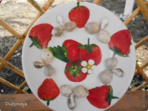 Декупаж тарелок с речными ракушками фото 2