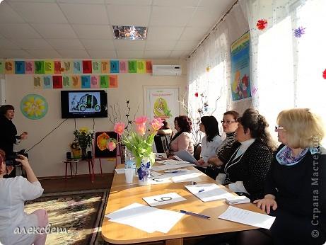 """Конкурс """"Воспитатель года""""под девизом: Сердце отдаю детям, прошёл в нашем краевом психоневрологическом доме ребёнка, в конце апреля 2012 года. фото 15"""