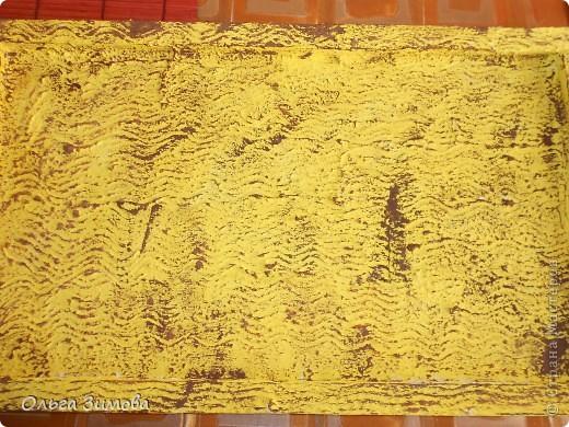 Вот такое экзотическое панно я сварганила в подарок на день рождения.  Скоро оно  отправится в Волгоград.  Золотые шарики это крашенный фундук. попробовала задействовать скелетированые листья. Правда они теряются на общем фоне.  Основной фон- шпатлевка с клеем ПВА фото 4