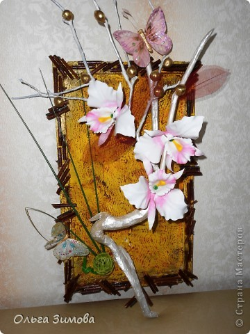 Вот такое экзотическое панно я сварганила в подарок на день рождения.  Скоро оно  отправится в Волгоград.  Золотые шарики это крашенный фундук. попробовала задействовать скелетированые листья. Правда они теряются на общем фоне.  Основной фон- шпатлевка с клеем ПВА фото 2
