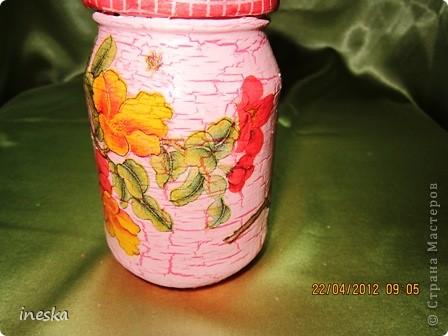 Это моя любимая,люблю цвет ,люблю краклюрчик ,это мой первый опыт краклюра на ПВА,очень понравилось его делать,салфетку тоже люблю,такая себе вьющаяся веточка с нежными цветочками и пчелками