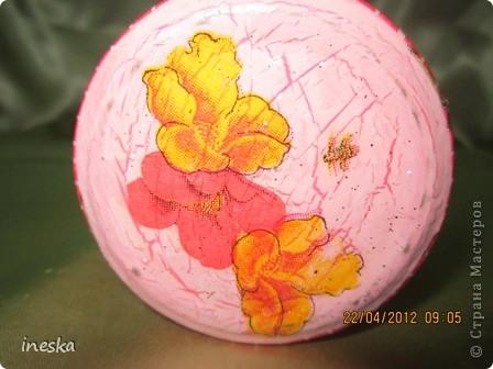 Это моя любимая,люблю цвет ,люблю краклюрчик ,это мой первый опыт краклюра на ПВА,очень понравилось его делать,салфетку тоже люблю,такая себе вьющаяся веточка с нежными цветочками и пчелками фото 5