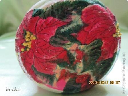 Это моя любимая,люблю цвет ,люблю краклюрчик ,это мой первый опыт краклюра на ПВА,очень понравилось его делать,салфетку тоже люблю,такая себе вьющаяся веточка с нежными цветочками и пчелками фото 15