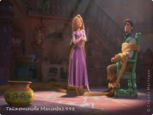"""Ваза для конкурса """"Любимые истории""""Рапунцель. Сделана специально для конкурса от Марии http://stranamasterov.ru/node/339650 Когда Флинн попал в башню Рапунцель, она ударила его сковородкой и он потерял сознание. Когда он очнулся увидел что полностью обмотан волосами. Он стал искать глазами свою сумку, с короной принцессы. Рапунцель сказала: - Спрятала, не найдешь! Он осмотрел помещение и сказал: - Она вон в той вазе.  И... бамз сковородкой по голове!))) Такую вазу я и сделала. Спасибо за МК Татьяне Просняковой!  фото 3"""