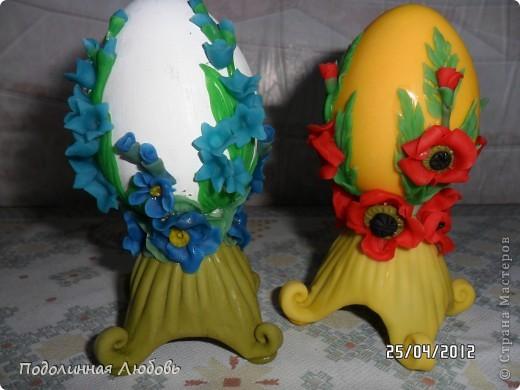 Прошла выставка в нашей районной библиотеке, посвященная светлому дню Пасхи. И мои пасхальные яйца вернулись домой. Теперь могу показать и вам. Эта пара из соленого теста. Заготовки вырезала кухонным ножом из строительного пенопласта. фото 5