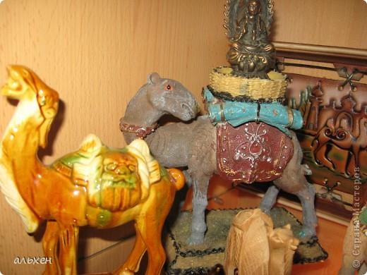 Доброго времени суток, дорогие мои жители СМ!!!!!! Обещала девочкам показать свою коллекцию верблюдов..... и.... подумала - может быть, ещё кому нибудь  захочется посмотреть на моих красавцев..... Милости прошу!!!! Много писать не буду, т.к. не уверена, что загружу.... пятый день пытаюсь..... на последнем этапе всё зависает..... и..... кирдык..... Но я же упёртая..... как баран..... не успокоюсь, пока не загружу..... Это моя пятая попытка...... надеюсь заключительная.....  фото 10