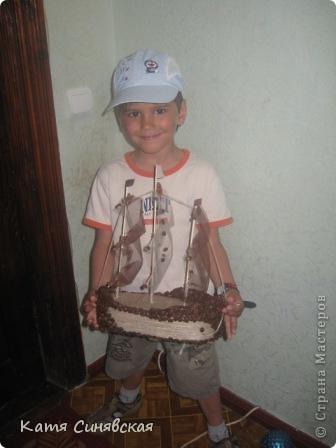 Вот такой корабль сделала папе мужа на день рождения! На этом фото он без одного флажка(забыла приклеить) фото 16