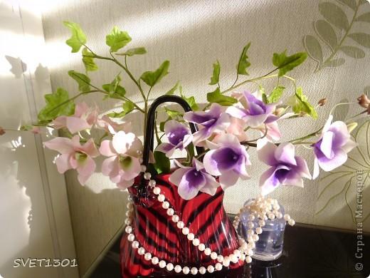 Другой подруге на день рождения слепила три ветки орхидеи. Планирую слепить ещё две, но не уверенна, что успею. Пока такой букет получился. фото 1