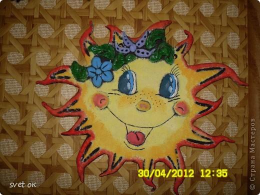 всем доброго дня! захотелось мне приукрасить интерьер комнаты моего малыша чем-то ярким. и вот практически летняя погода навеяла создание такого озорного солнышка. фото 3