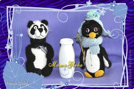 Панда, пингвин и то, из чего они сделаны - баночка от Актимеля. Внутри в первом случае - монетки, во втором - горох.